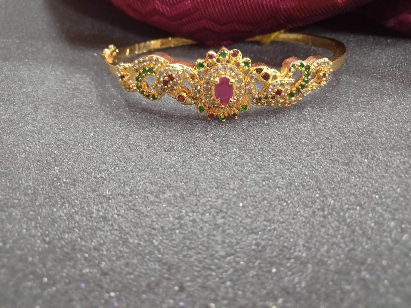 Trendy Bracelets For Ladies One Gram Gold design